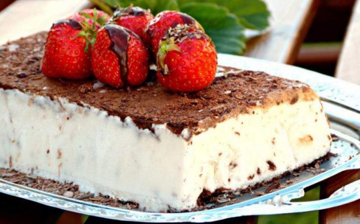 Kokosová vanilková zmrzlina s čokoládou