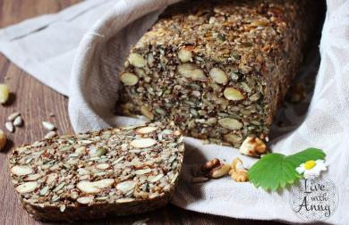 Semínkový chleba s ořechy