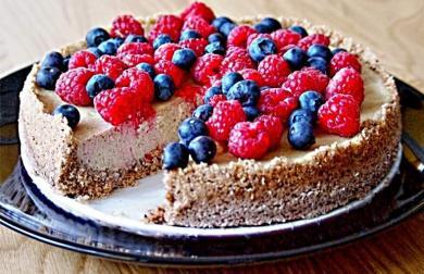 Cheesecake z ořechů kešu a květáku