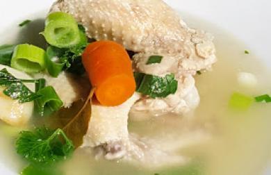 Polévka z kuřecích křídel