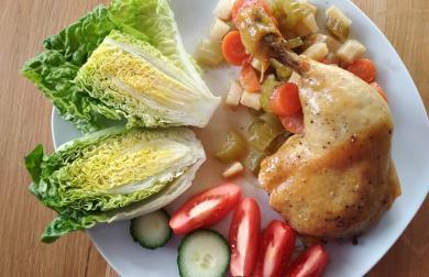 Divoké kuře na kořenové zelenině