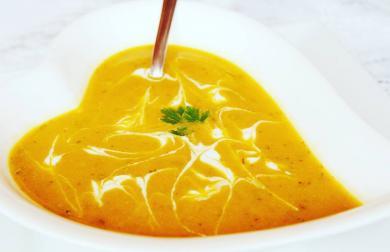 Veggie slniečková polievka z pečenej zeleniny