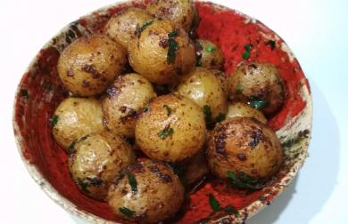 Pečené brambory na rozmarýnu