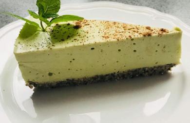 Low carb avokádový cheesecake