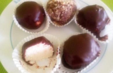 Kokosové kuličky s tvarohem - nízkosacharidové