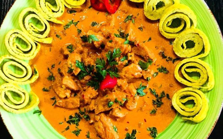 Kuře na paprice a grusetky s bazalkou a šalvějí - LC