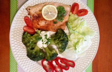 Pstruh lososovitý s brokolicí - nízkosacharidový