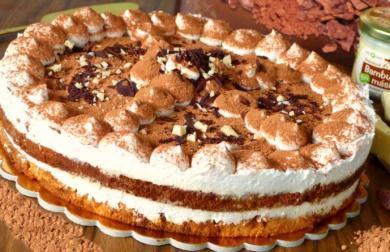 Bezmléčný tiramisu dort s vegan mascarpone