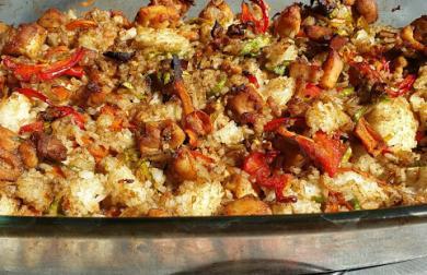 Pečená kari rýže s kuřecím masem