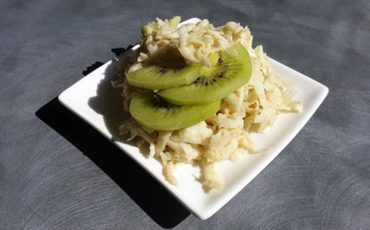 Celerový salát s kiwi