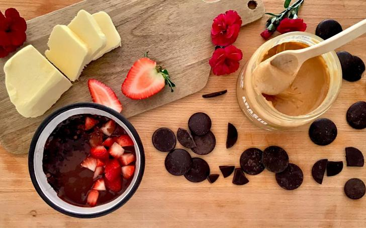 Čokoládový arašídový nugát