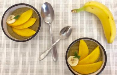 """Avokádovo-banánovo-mangový """"pudink"""" bez vaření"""
